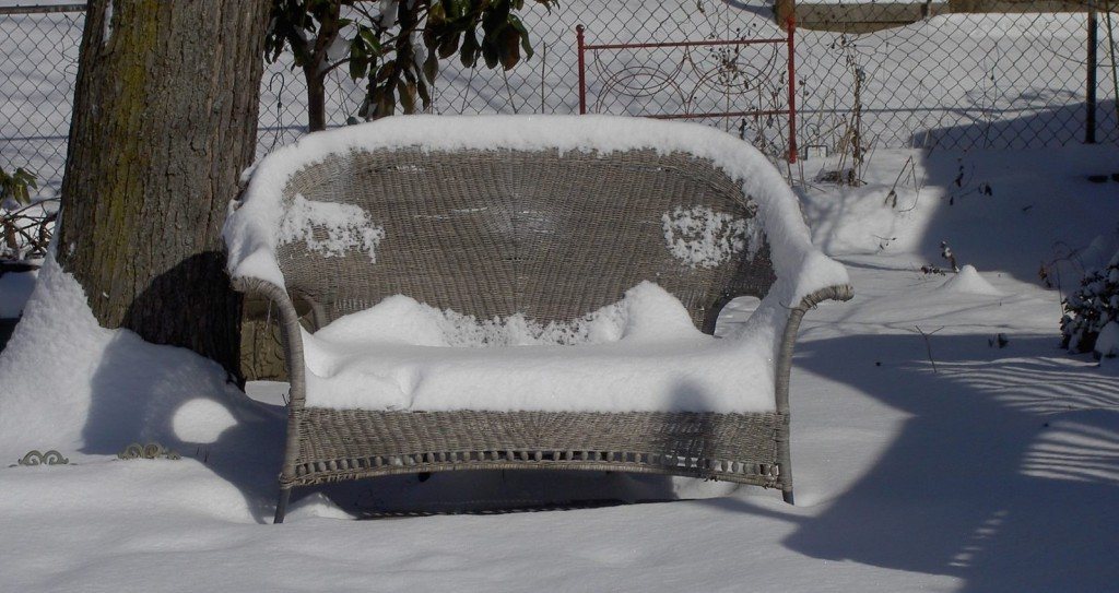 25-outside-furniture-1024x543-2-1024x543