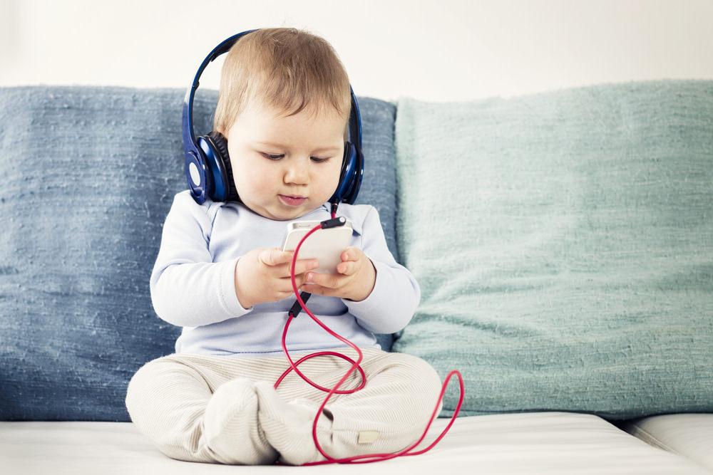 baby-iphone-1
